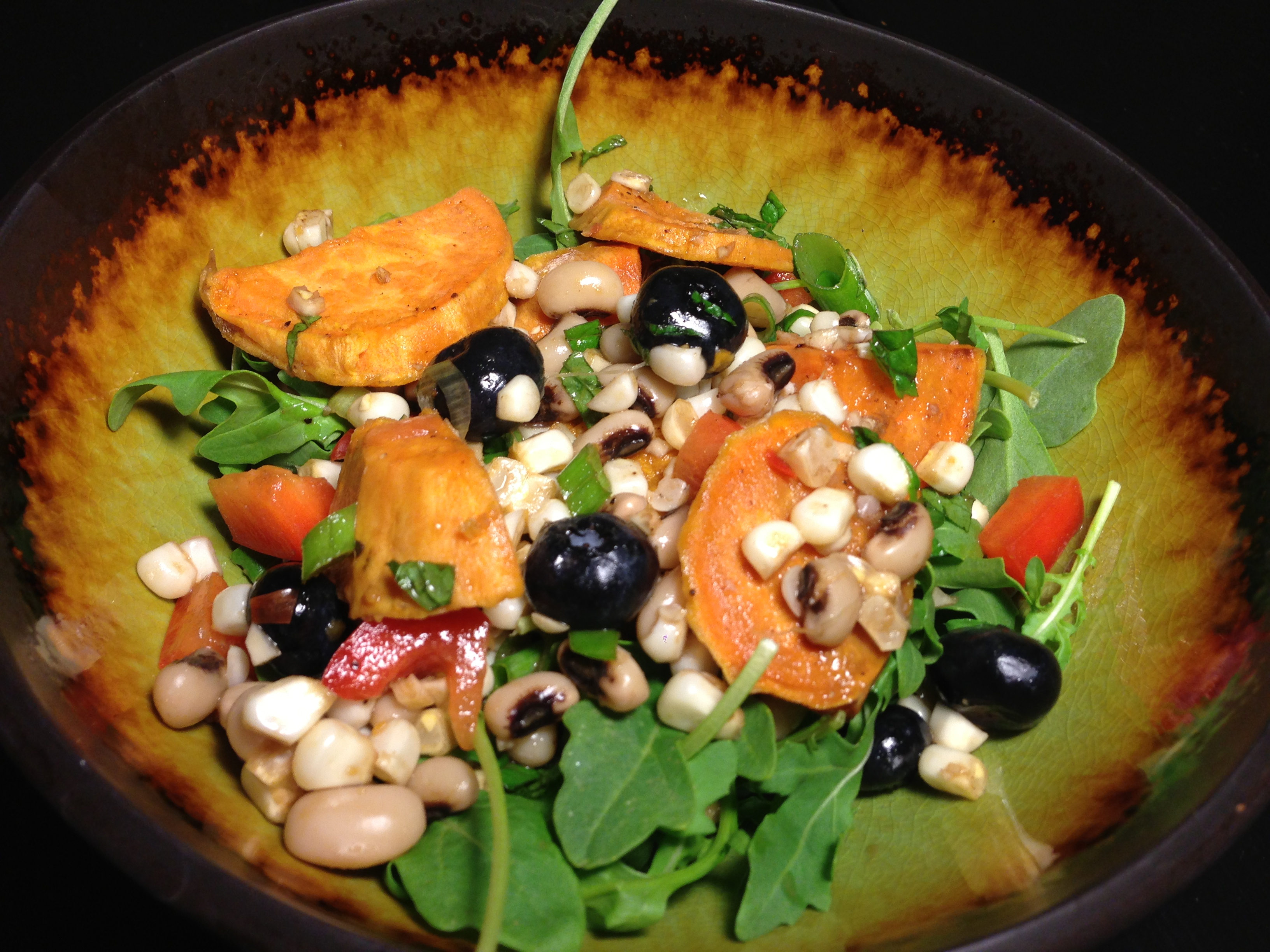 Black-Eyed Pea Summer Salad | The Beaze Knees